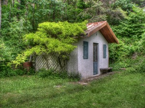 small-house-353929_1280